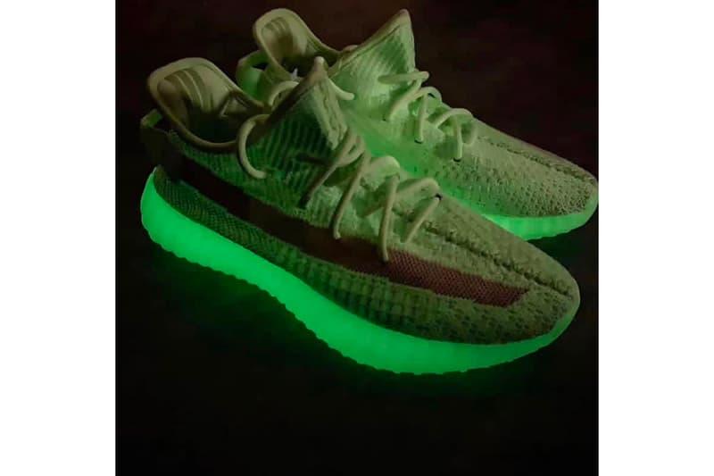 """Photo YEEZY BOOST 350 V2 """"Glow-in-the-Dark"""""""