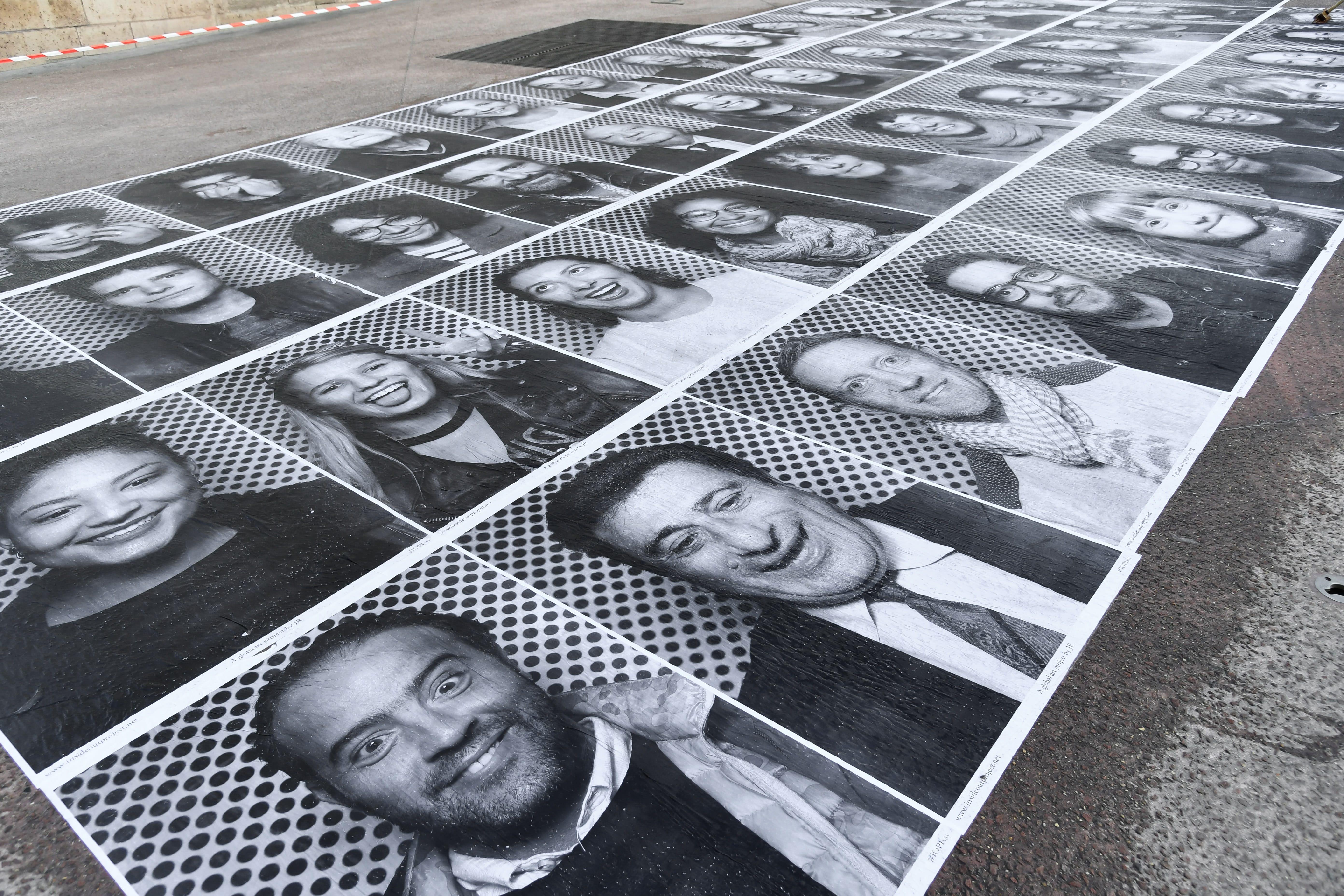 """JR dévoile une nouvelle fresque à Nantes pour son projet """"Inside Out"""""""