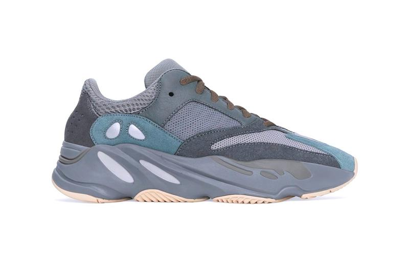 """Photo YEEZY 700 """"Teal Blue"""""""