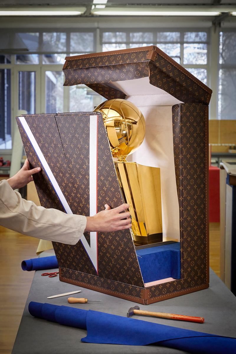 Photo malle Louis Vuitton x NBA
