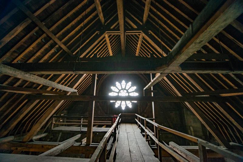 Une charpente en bois (comme la précédente) serait la meilleure solution pour la reconstruction de Notre-Dame