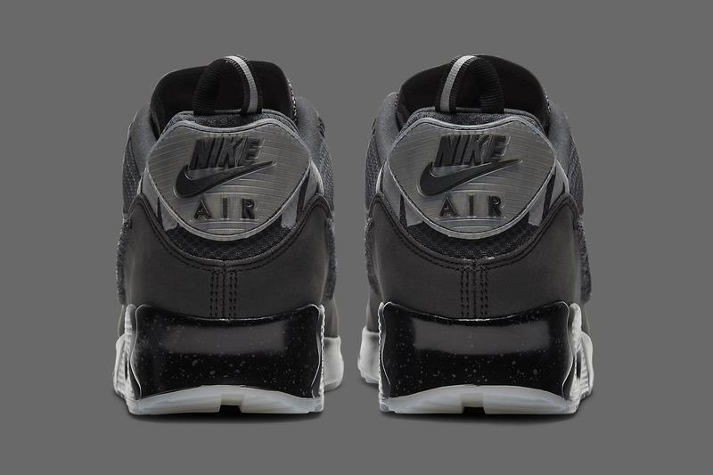 UNDEFEATED Nike Air Max 90