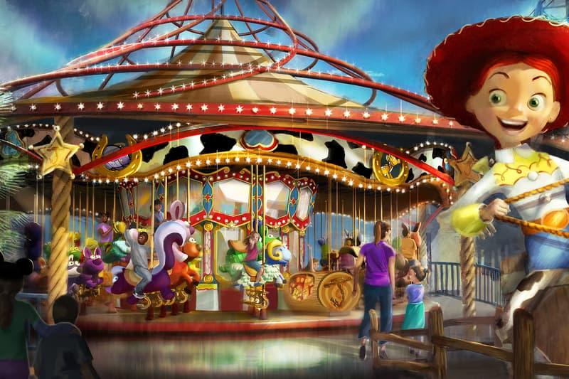 walt disney disneyland anaheim california theme park the incredibles toy story buzz lightyear churros pixar pier poultry palace