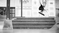 YOSHI TANENBAUM HAS LAZER FLIPS ON LOCK