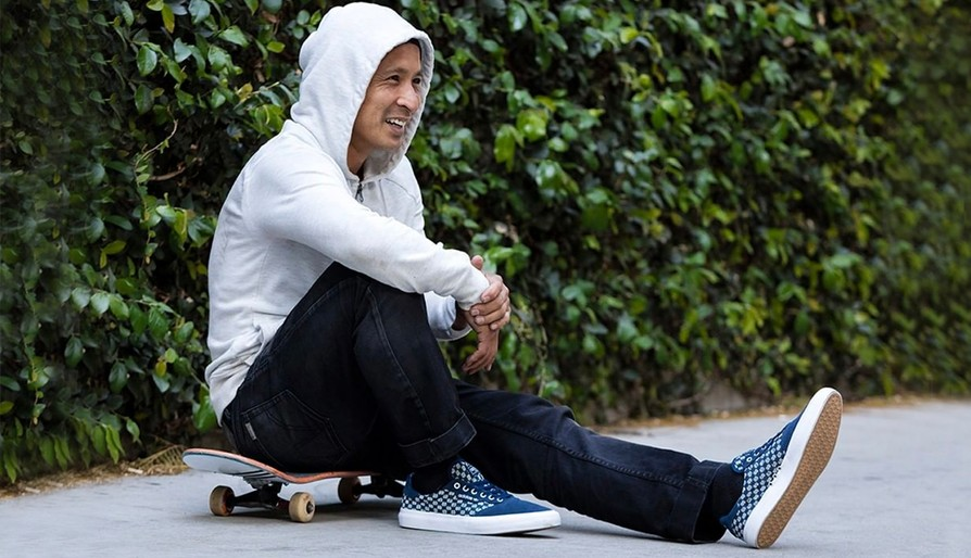 DAEWON SONG FAKIE MANUALS A CITY BLOCK IN HIS NEW ADIDAS 3MC COLORWAY