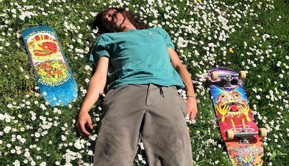 EVAN SMITH MAKES HIS GRIMPLE STIX DEBUT WITH PAIR OF TRIPPY VIDEOS