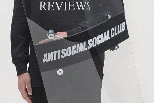 約架必備?Anti Social Social Club 推出防暴盾牌