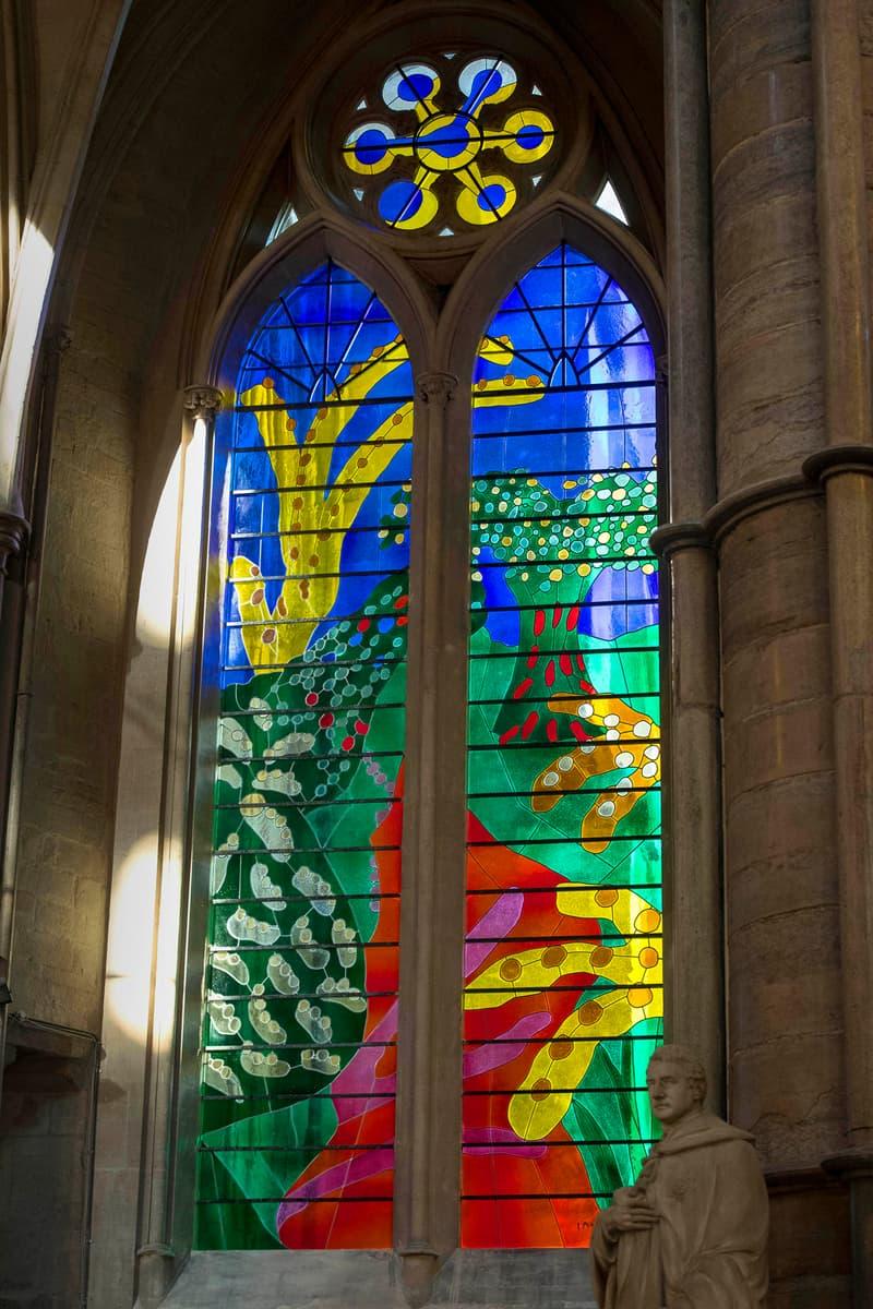 藝術家 David Hockney 為倫敦 Westminster Abbey 創作全新彩色玻璃花窗