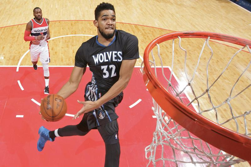 Karl-Anthony Towns 與 Timberwolves 簽下 5 年 $1.9 億美元頂薪合約