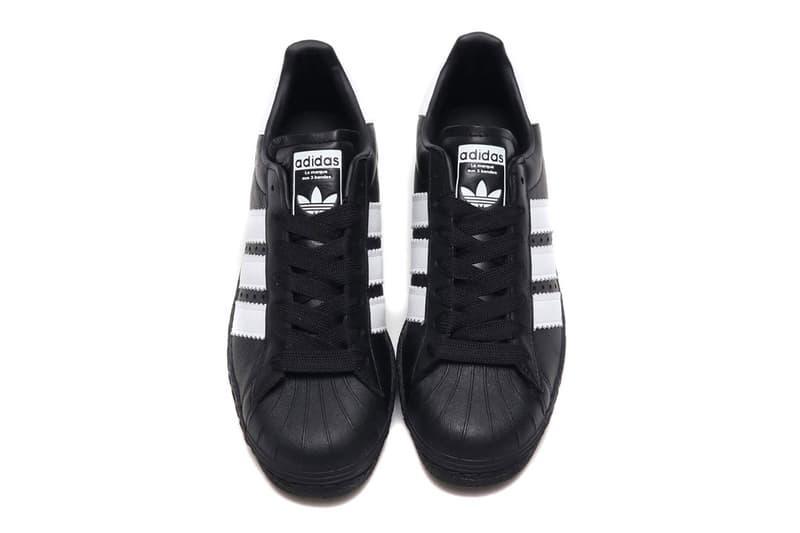adidas Originals 搭載加粗三線標誌的全新 Superstar 80s