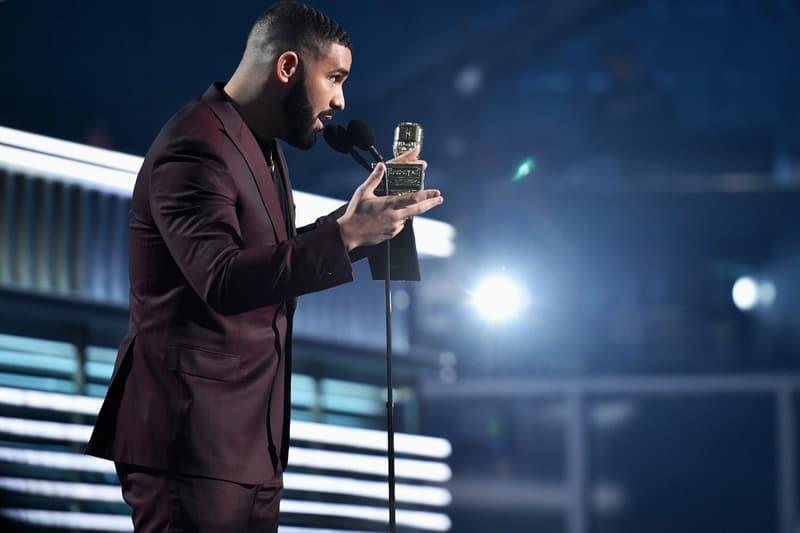 《Game Of Thrones》魅力持續!Drake 於 Billboard 頒獎典禮上致敬 Arya Stark