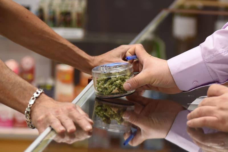 國會議員預測-英國未來五到十年內將使大麻合法化
