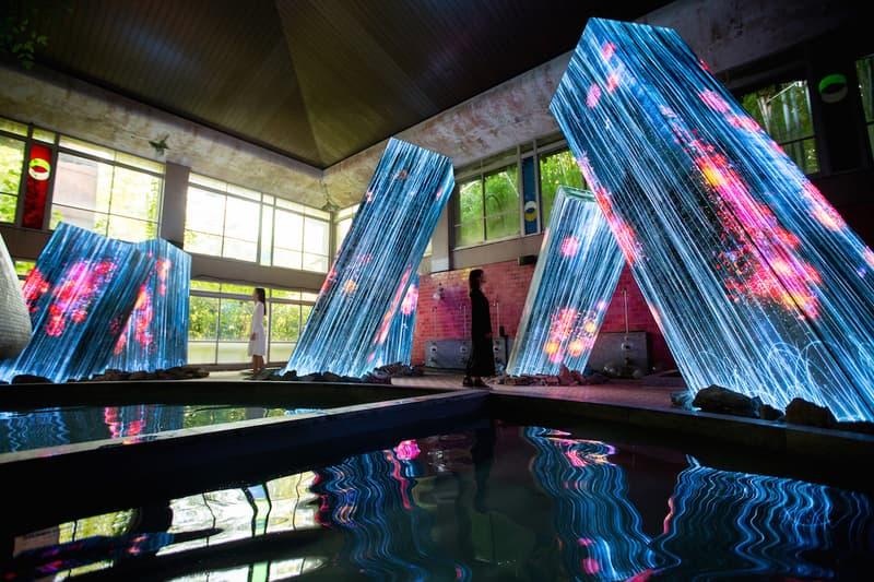 teamLab 推出全新光影藝展「Megaliths in the Bath House Ruins」