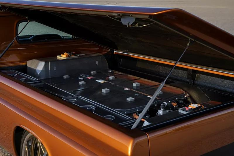 General Motors 打造 60 年代式樣 Chevrolet 純電 Pickup 改裝車款