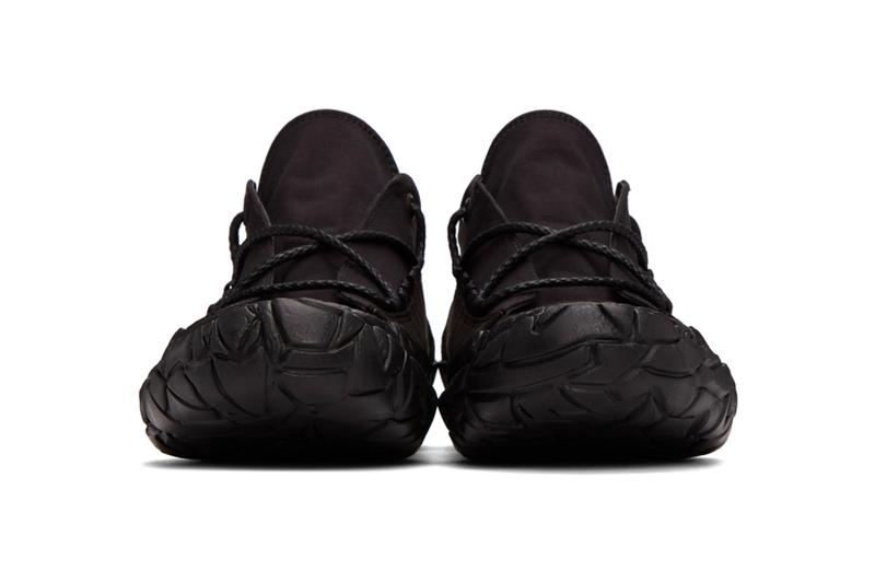 Issey Miyake 推出三色全新帆布運動鞋款