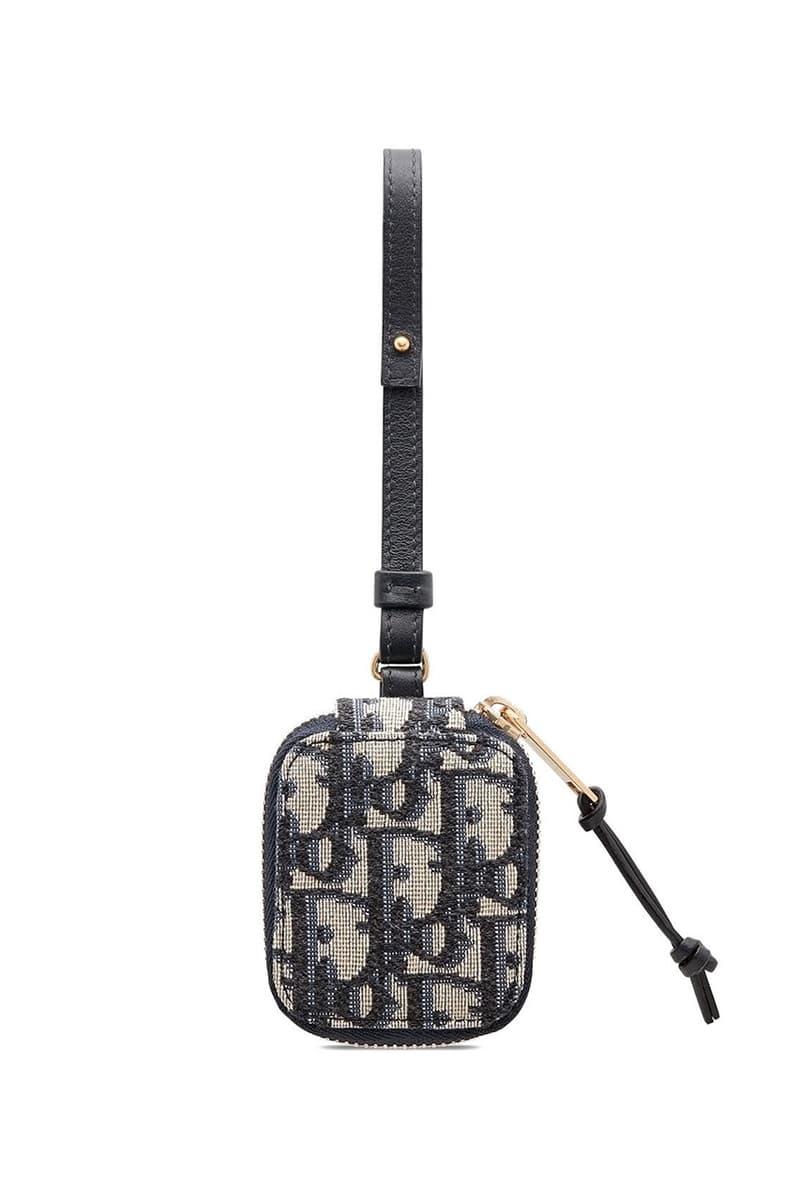Dior 推出經典 Oblique 緹花圖案 AirPods Case