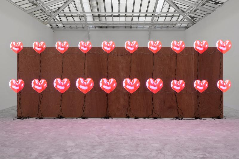 走進暴力煽動型藝術家 Jordan Wolfson 全新藝展《ARTISTS FRIENDS RACISTS》