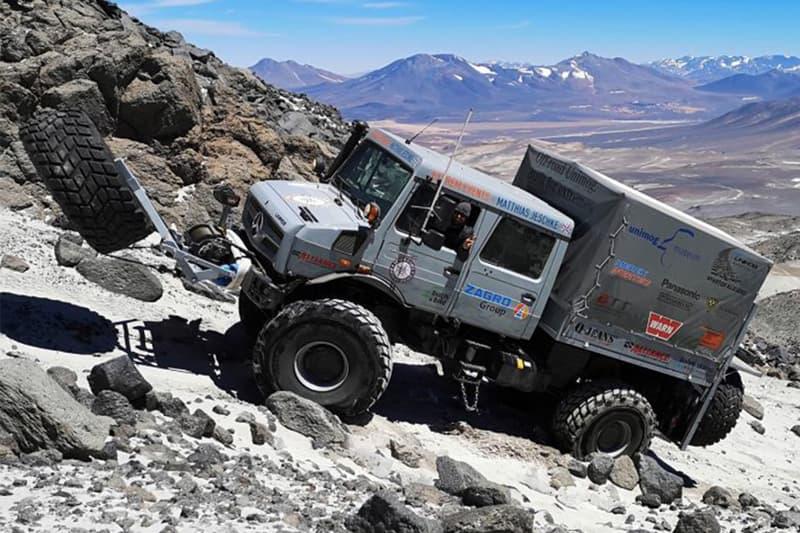 Mercedes-Benz 全地形車型 Unimog 成功打破登上世界最高火山海拔記錄