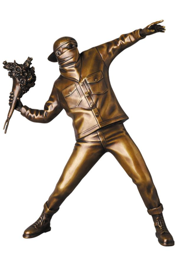 Medicom Toy x Brandalism 推出 Banksy 經典作品全新實體雕塑