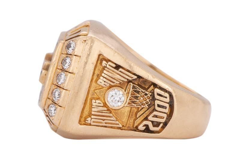 Kobe Bryant 的「NBA 冠軍指環」以 20 萬美元賣出