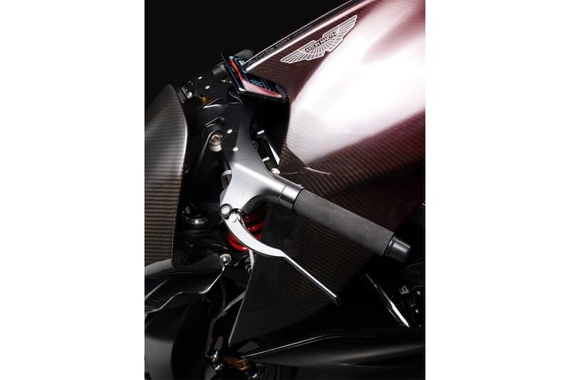 Aston Martin 攜手 Brough Superior 打造限定 100 輛全新電單車 AMB 001