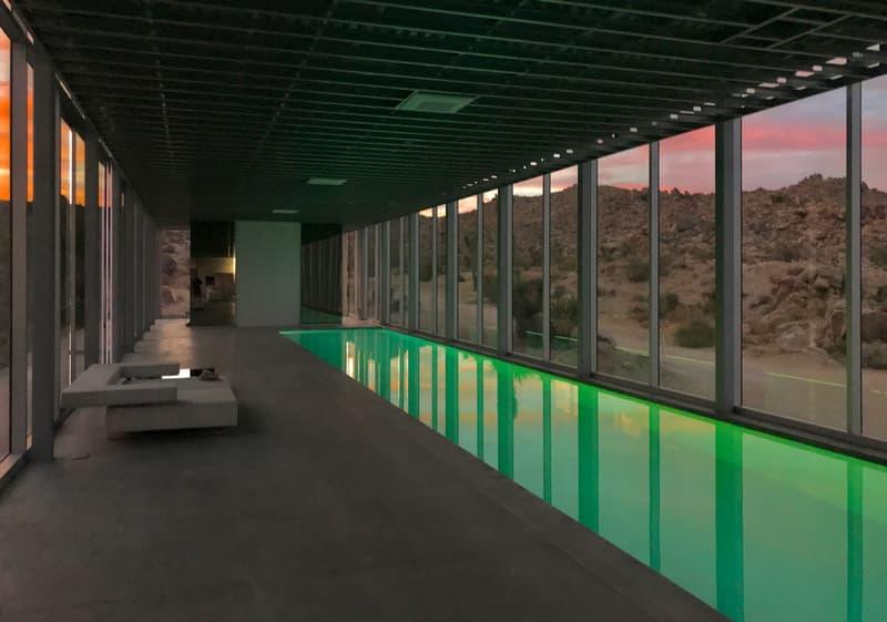 走進隱身於沙漠之鏡面住宅:Invisible House