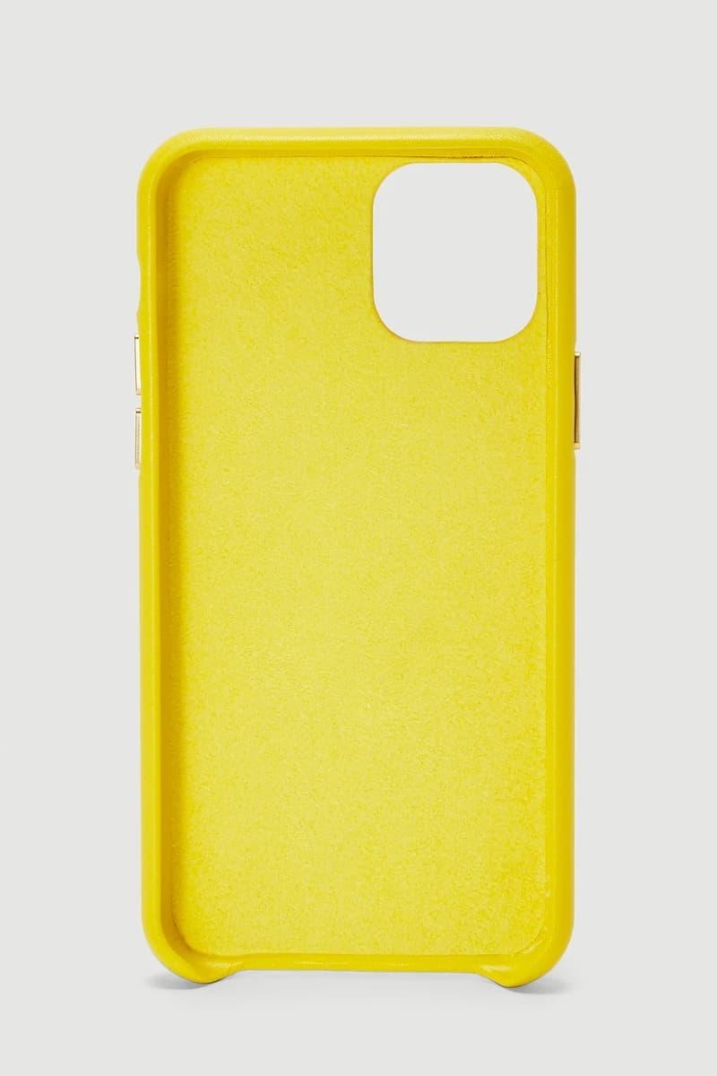 Vetements 再次推出品牌經典 DHL 聯乘設計手機殼