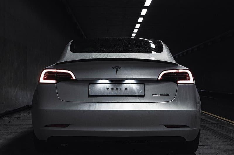 Tesla 市值衝破 2,000 億美元超 Toyota 稱霸全球車廠