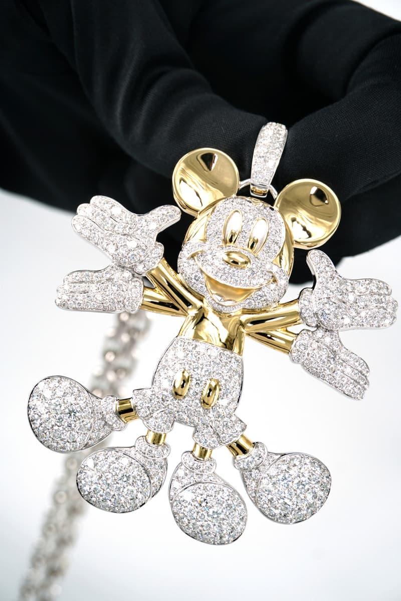 POP INFINITY Art Collectibles 联名「Snow Angel Mickey」系列即将登场