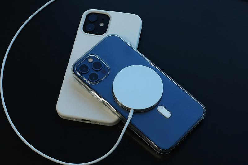 Apple iPhone 12 無線充電器 MagSafe 可適用 Android 智慧型手機