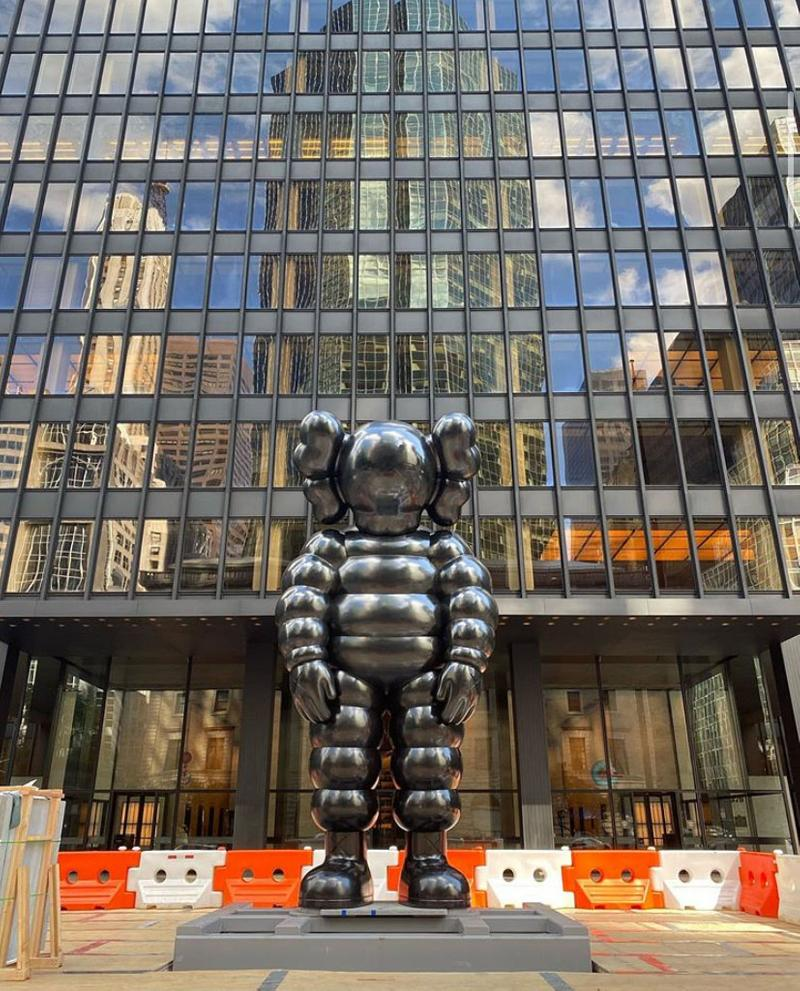 KAWS 高 6 公尺《WHAT PARTY》CHUM 雕像正式展出