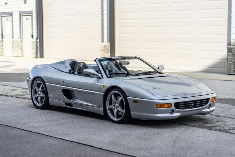 Shaquille O'Neal 坐駕 Ferrari F355 Spider 正式展開拍賣