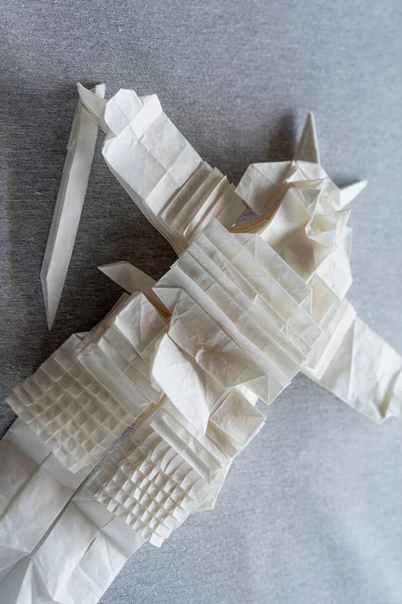 芬蘭藝術家僅使用「一張紙」折出極具細節之日本武士