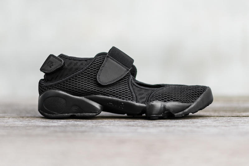39e71bfcce57 All-Black Everything on Nike Air Rift Breathe Black