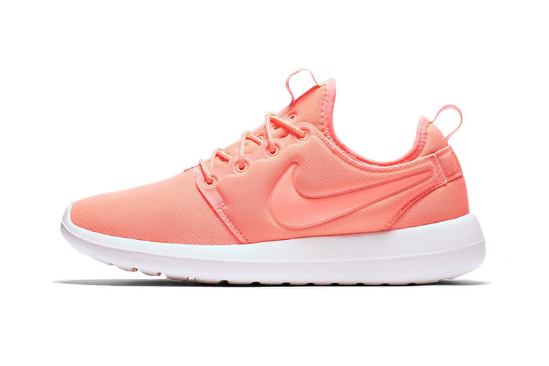 wholesale dealer b260b d989d Nike Unveils Roshe Two in Three Women s Exclusive Colorways