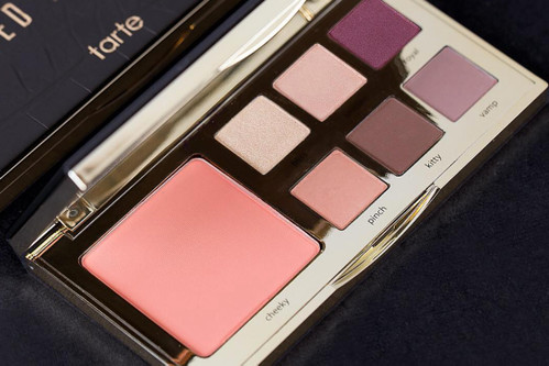 The Kardashians  Makeup Artist Collaborates with Tarte Cosmetics on a  Limited Edition Palette 2480fcada