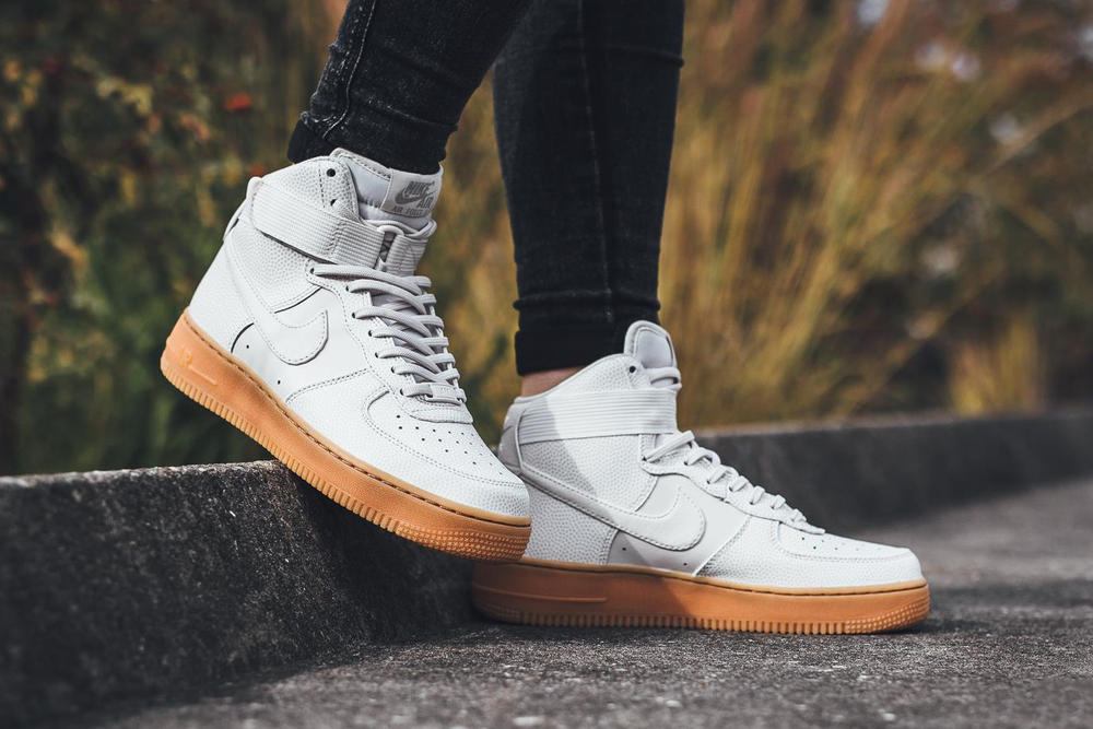half off d6041 43e33 Nike Air Force 1 Hi SE Phantom