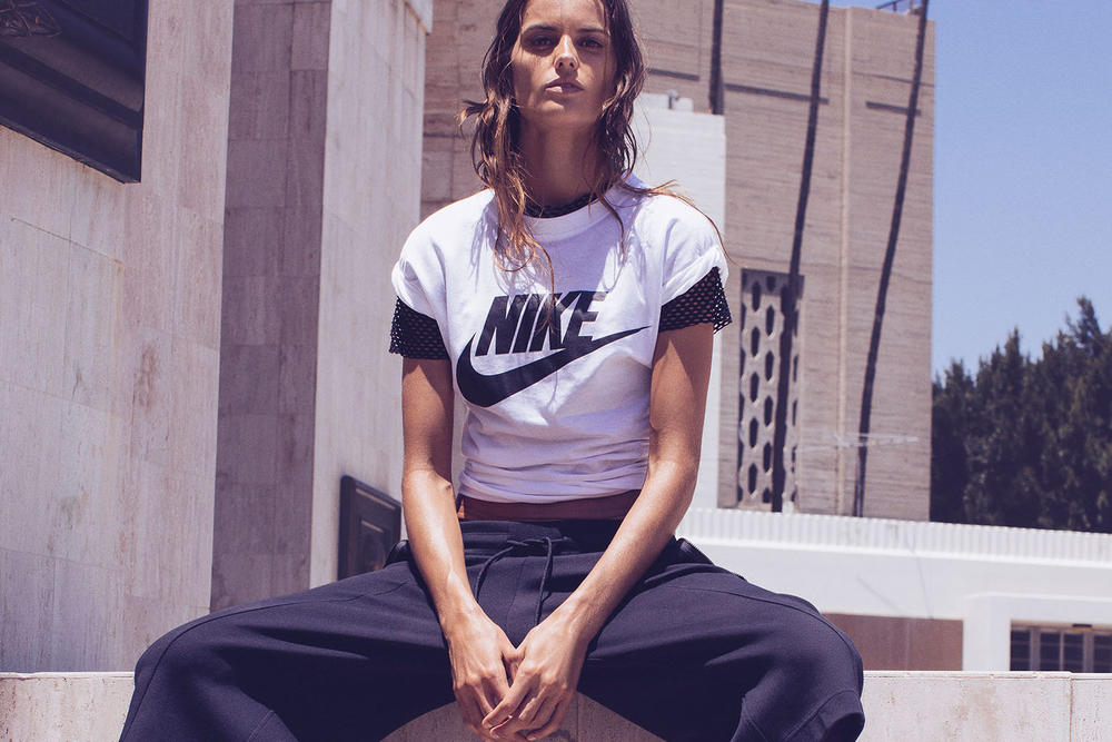 Nike Beautiful x Power Triple Black Jacquard Collection Iza Goulart
