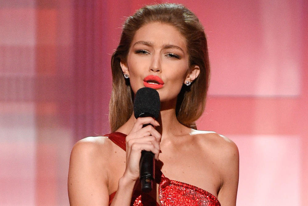 Gigi Hadid Melania Trump 2016 American Music Awards
