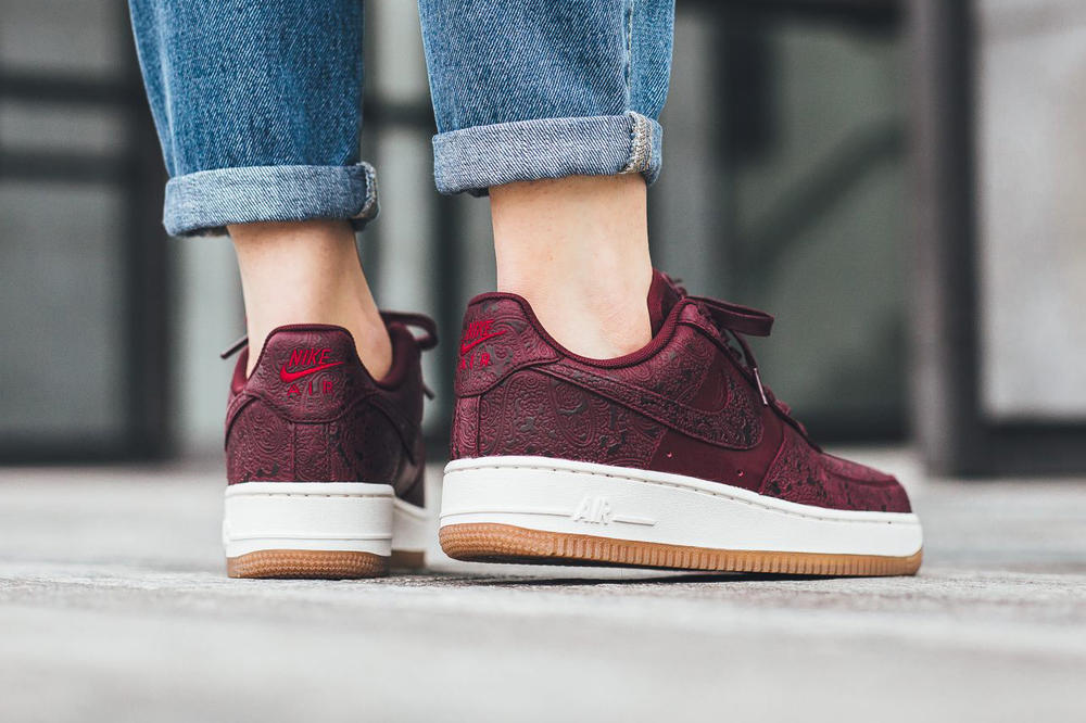 Nike Air Force 1 07 PRM Night Maroon Black