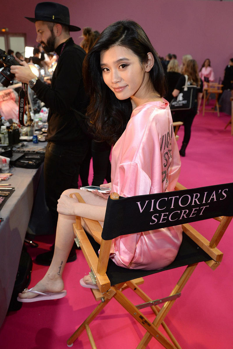 Behind the Scenes at Victoria's Secret 2016 Show Paris