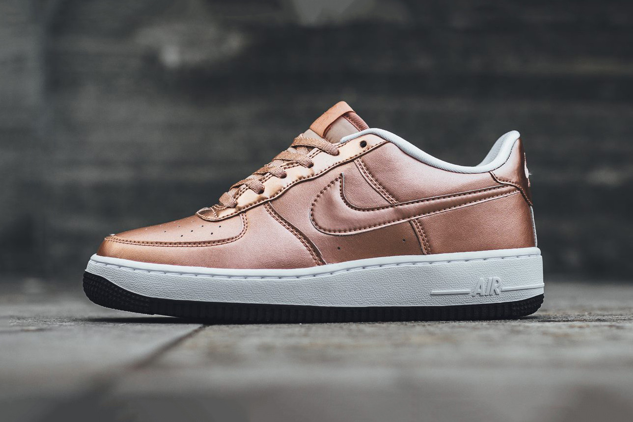 Nike Air Force 1 Low In \