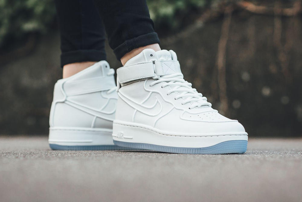 Nike Air Force 1 Upstep Summit White