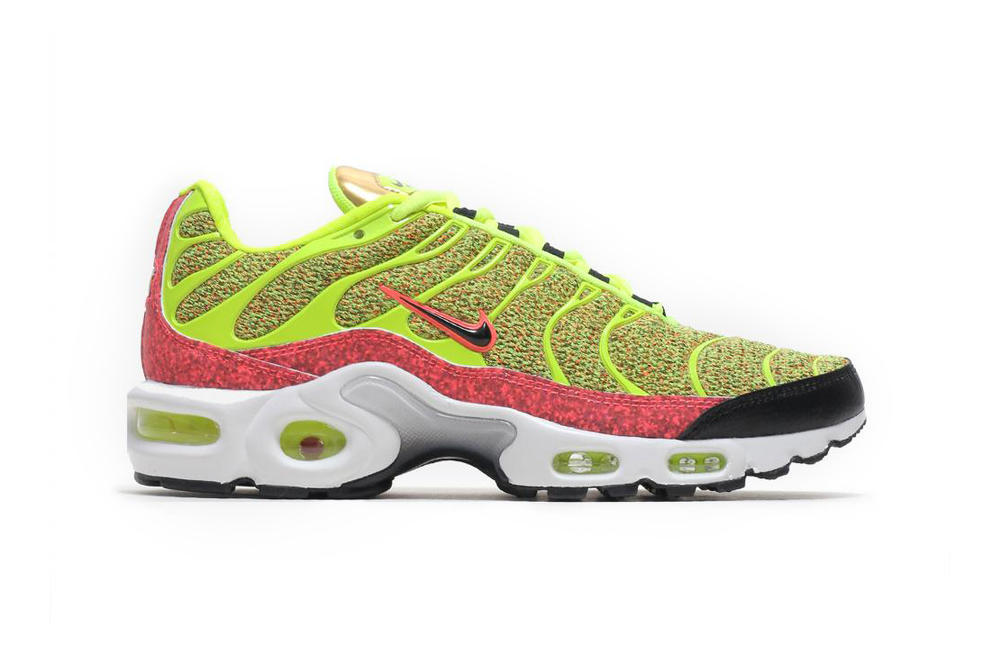 the latest a4b89 5daf0 Nike Air Max Plus SE TN Volt Hot Punch