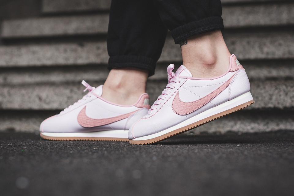 huge discount 696ab dd792 Nike Classic Cortez Leather Pearl Pink Is Like a Ballet ...