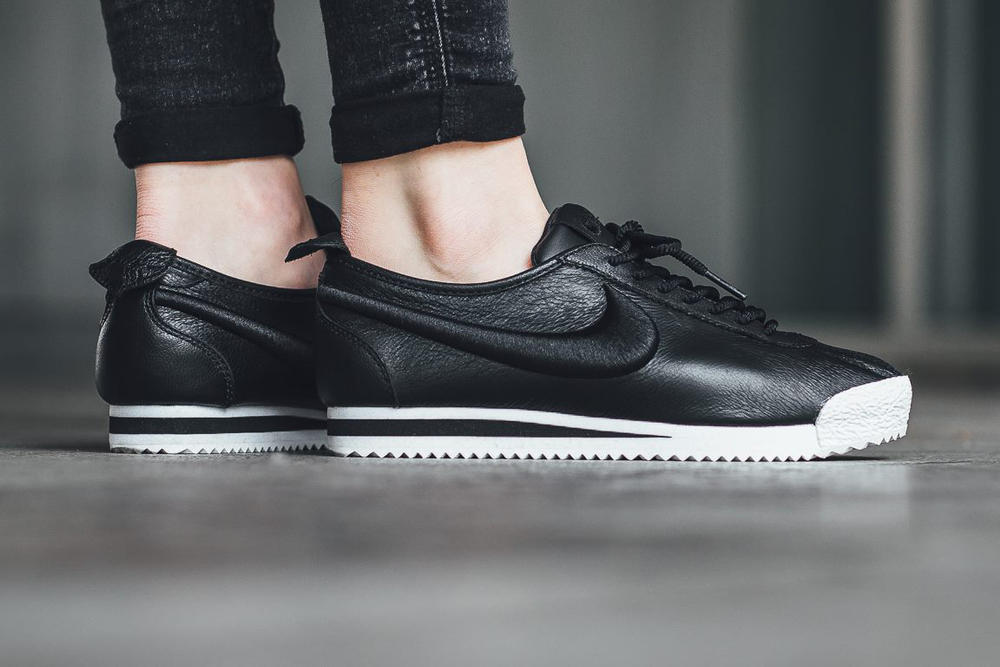 separation shoes b7ede 74184 Nike Cortez 72 Black White