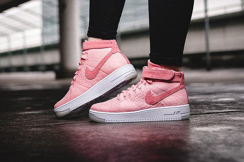 detailed look 133f3 4885e The Nike Air Force 1 Flyknit Mid Gets The