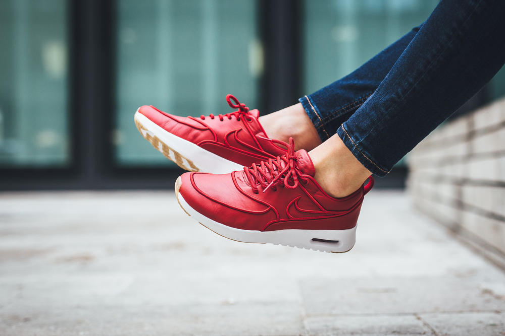 quality design ab16c 94098 Nike Air Max Thea Gym Red