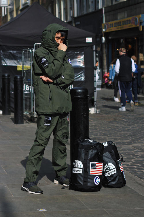 Supreme The North Face London Drop