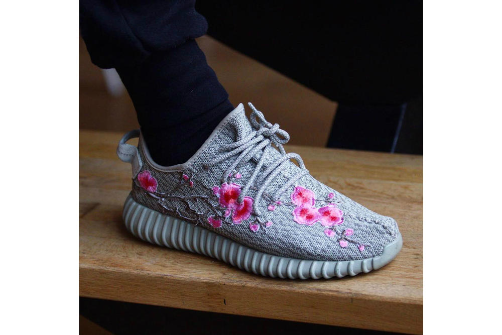 adidas YEEZY BOOST 350 Cherry Blossoms Custom